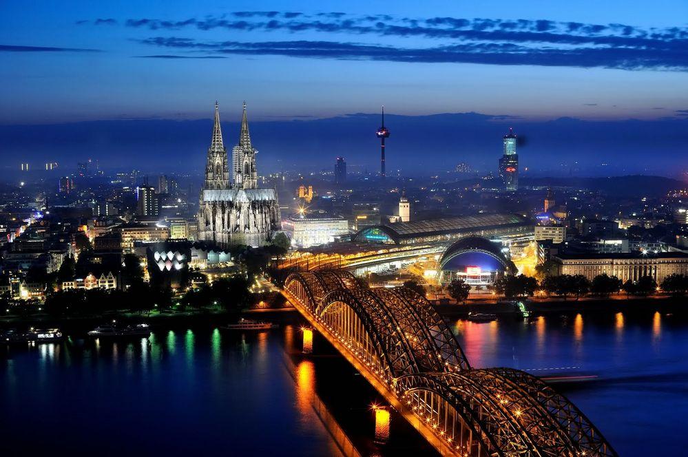 Köln im Dunst