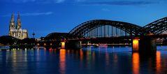 Köln / Kölner Dom & Hohenzollernbrücke / 2013 / 5 - 2