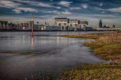 Köln - Kranhäuser und Dom