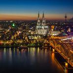 Köln nach Sonnenuntergang