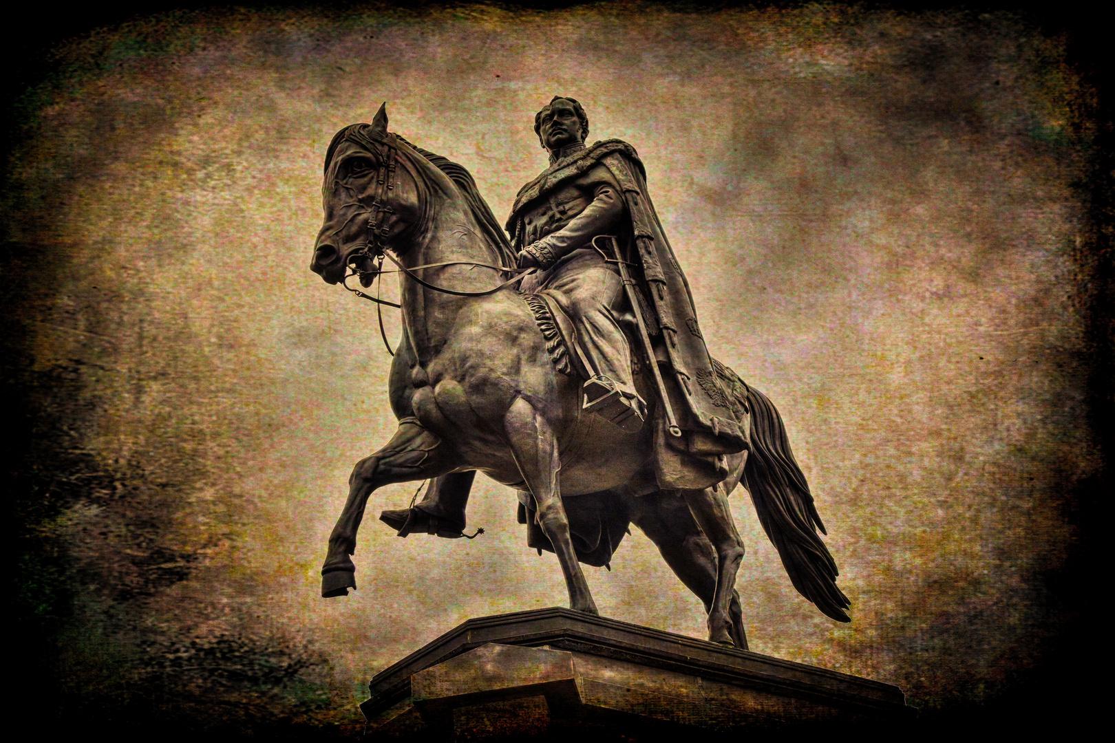 KÖLN   - Reiterstandbild auf dem Heumarkt -