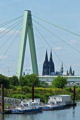 Köln - Severinsbrücke, Dom vom Bootshafen Deutz aus