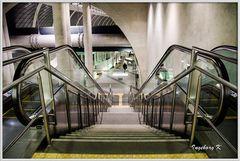 Köln - U-Bahn am Heumarkt - Rolltreppe nach unten -