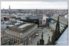 Köln - über den ´Dächern - Blick auf den Bahnhofsvorplatz
