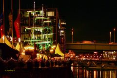 Köln -Weihnachtsmarkt-am-Hafen-Severinsbrücke