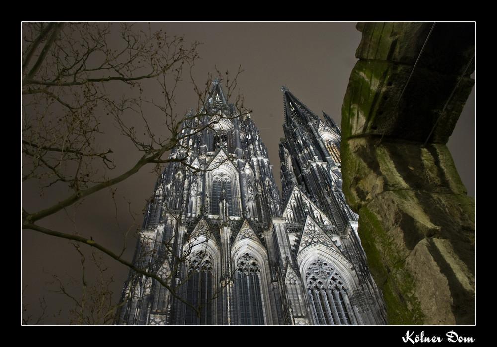 Kölner Dom bei Nacht!