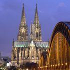 Kölner Dom bei Nacht (II)