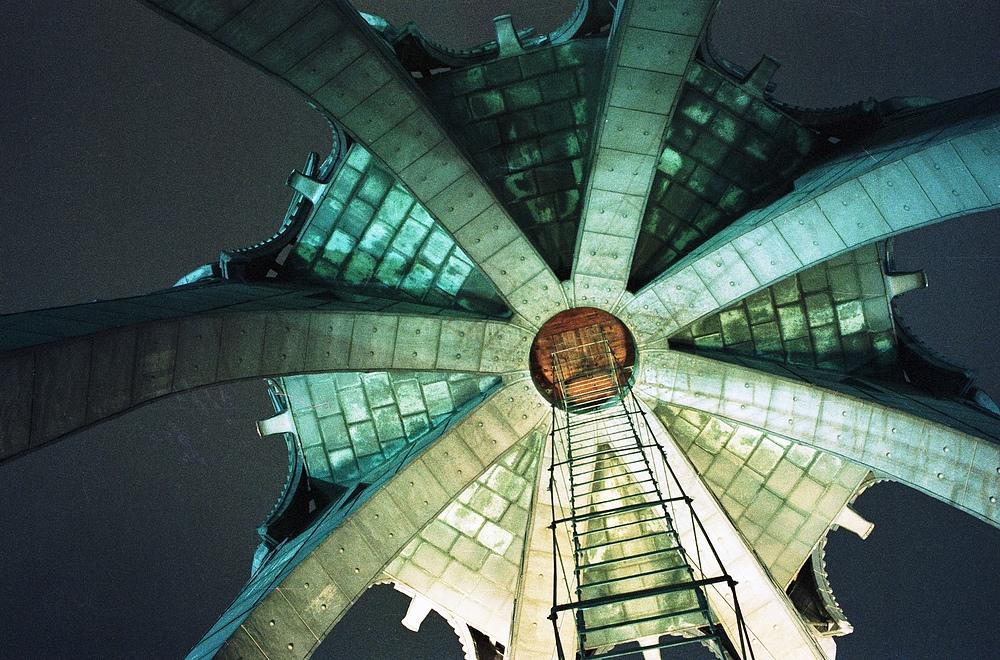 Kolner Dom Dach Des Vierungsturms Von Unten Bei Nacht Foto Bild