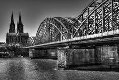 Kölner Dom +Hohenzollern Brücke (HDR)