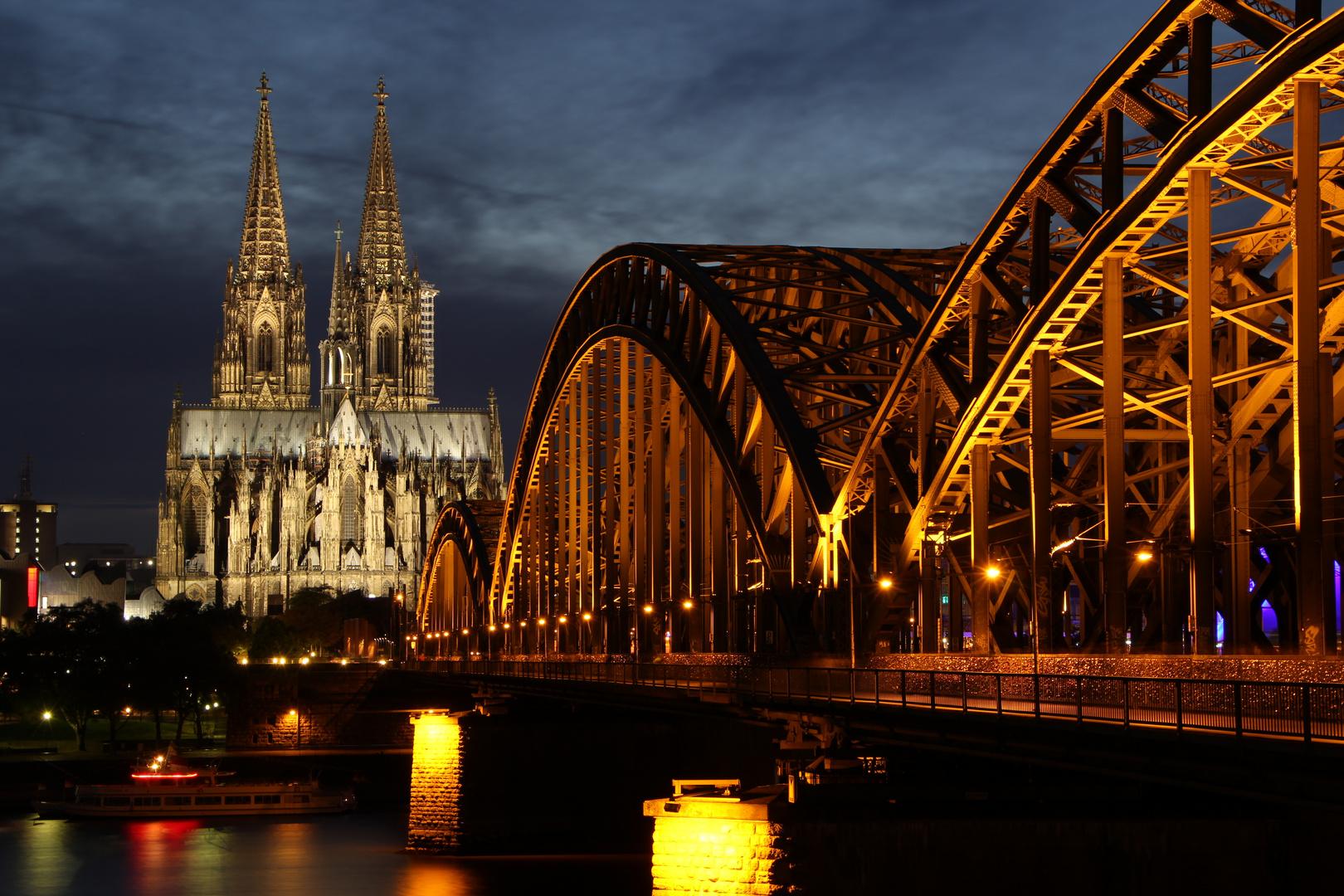 Kölner Dom und Hohenzollernbrücke 1