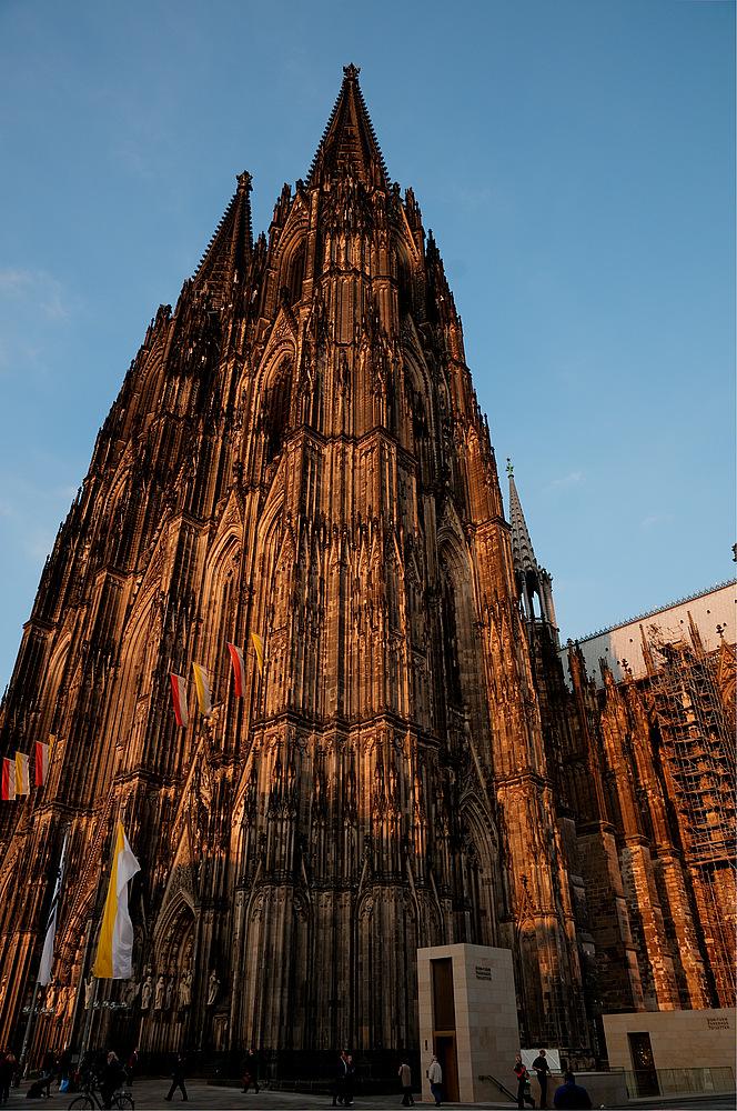 Kolner Dom Von Der Untergehenden Sonne Beleuchtet Foto Bild Deutschland Europe Nordrhein Westfalen Bilder Auf Fotocommunity