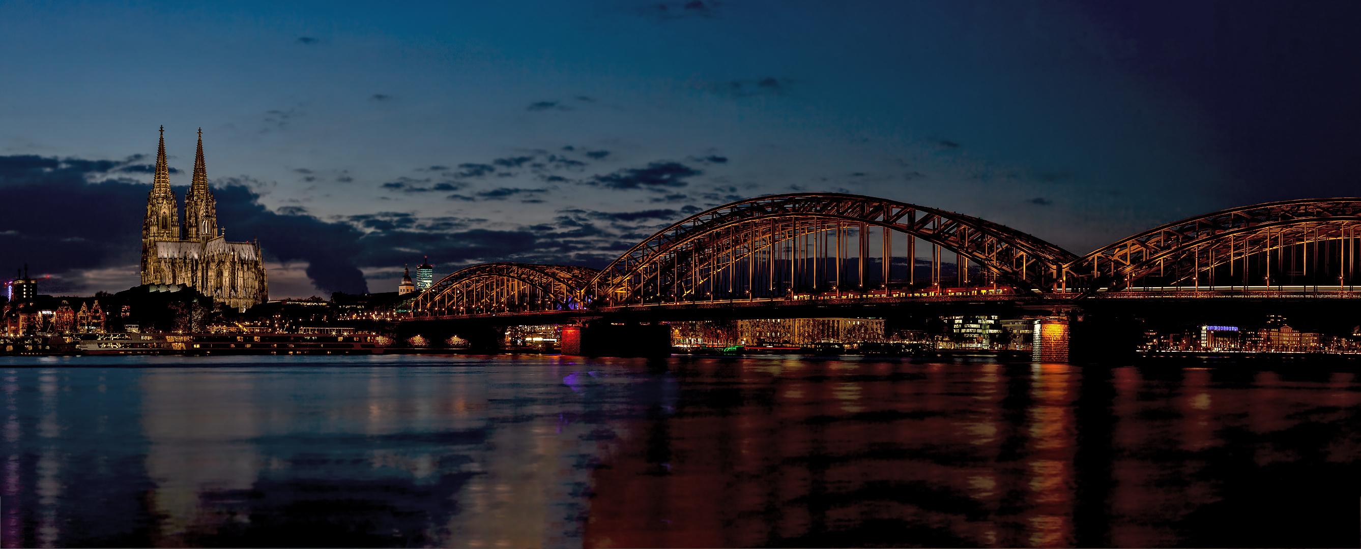 Kölner Dom,Hohenzollernbrücke 025