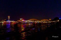 Kölner Lichter 2013 - Einfahrt der Schiffe vor dem Feuerwerk