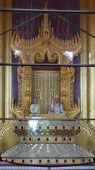 ...König Mindon nebst Frau auf dem Thron im Glaspalast...