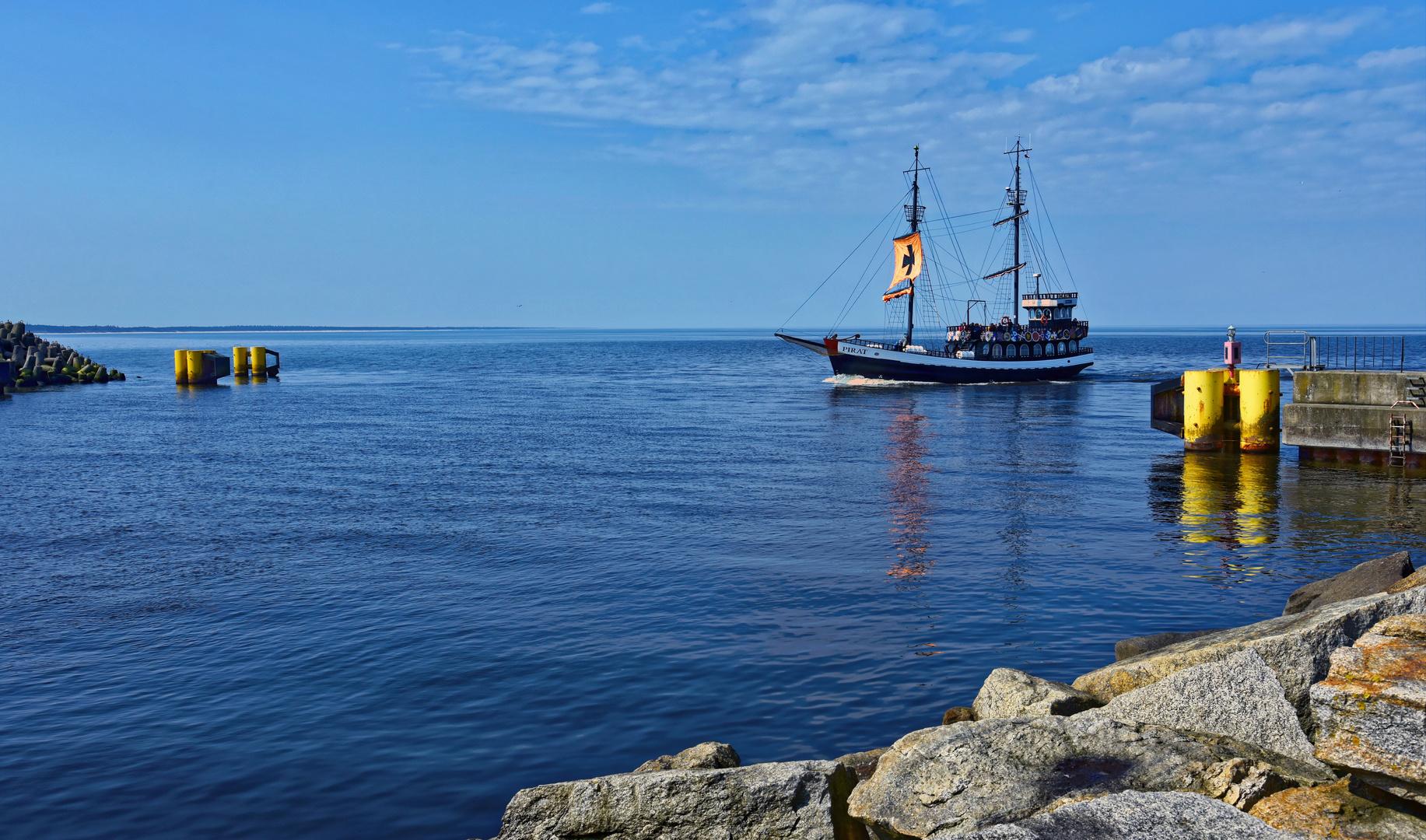 Kolberg (Kolobrzeg), Polen: Hafeneinfahrt