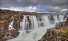 Kolugljufur Wasserfall 4