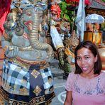 Komang beside the Ganesha statue