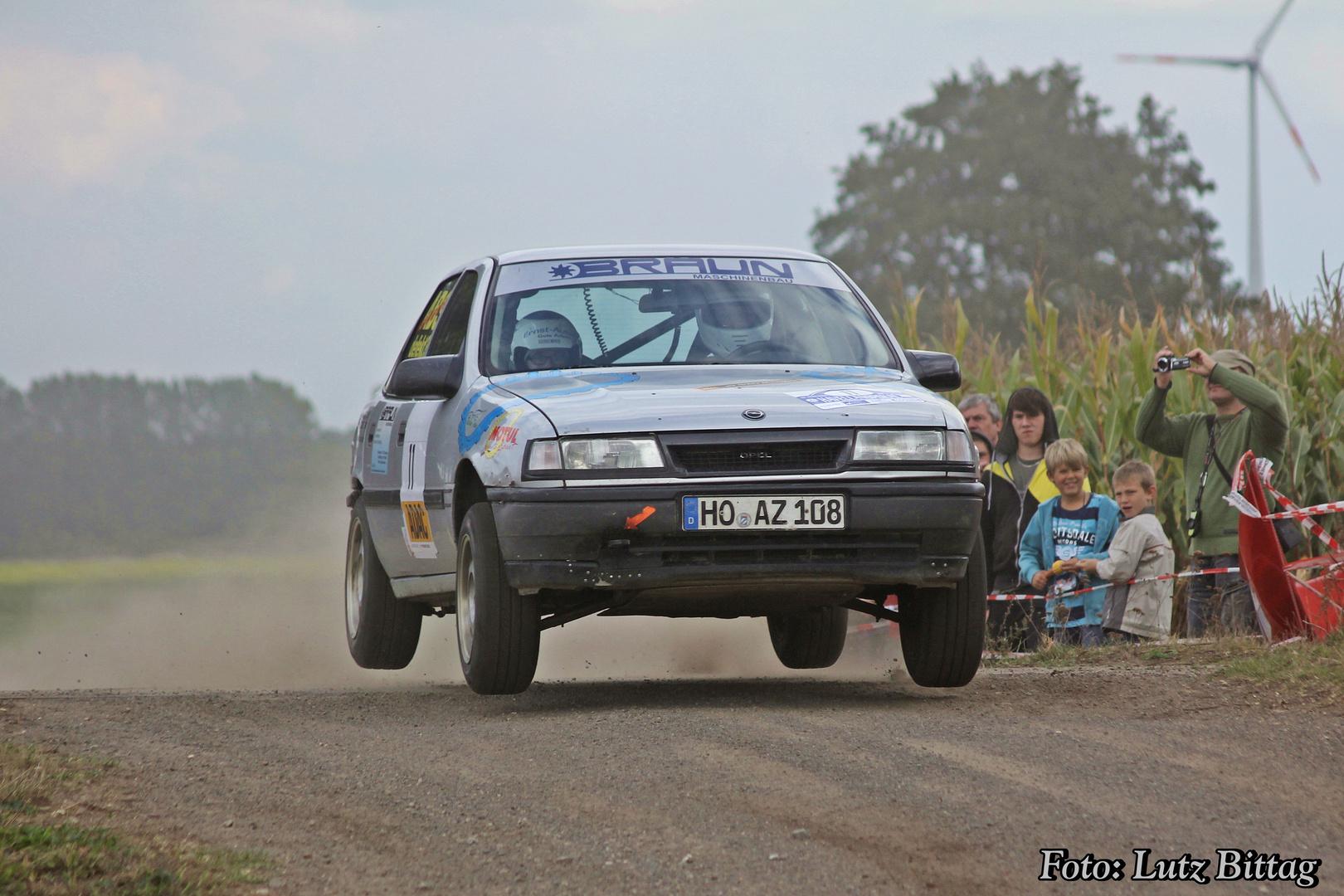 Kommt ein Opel geflogen ...