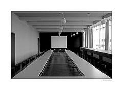 - Konferenz-Saal im Bauhaus Dessau -