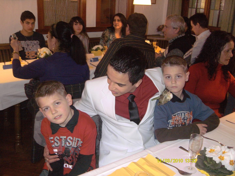 Konfirmant Gabriel mit Sven und Nico
