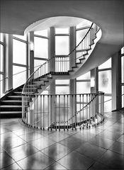 * Kontorhaustreppe *