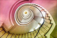 * Kontorhaustreppe in pastell