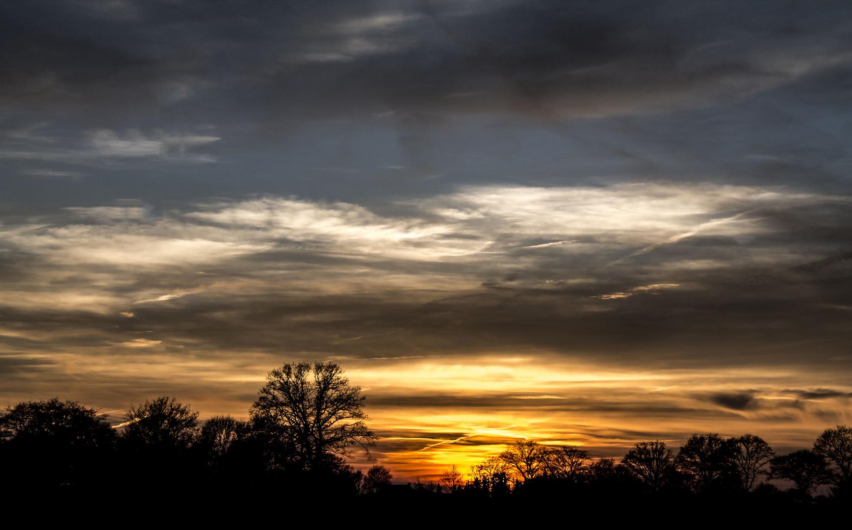 Kontraststarker Sonnenuntergang