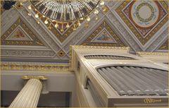 Konzerthaus am Gendarmenmarkt/Decke-Perspektive mit Orgel