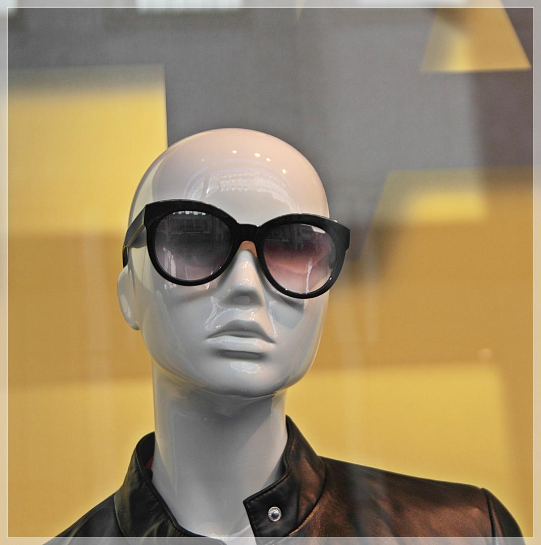 Kopf mit Brille