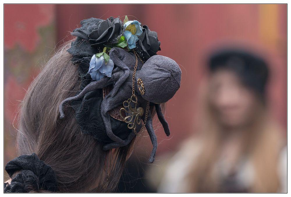 Kopfbedeckung