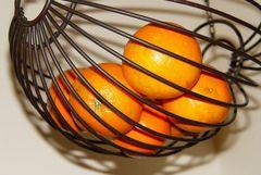 Korb mit Orangen