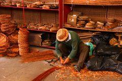 Korbflechter in der Schauwerktstatt Camacha / Madeira