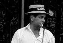 Korbschlitenfahrer Madeiras/ Monte