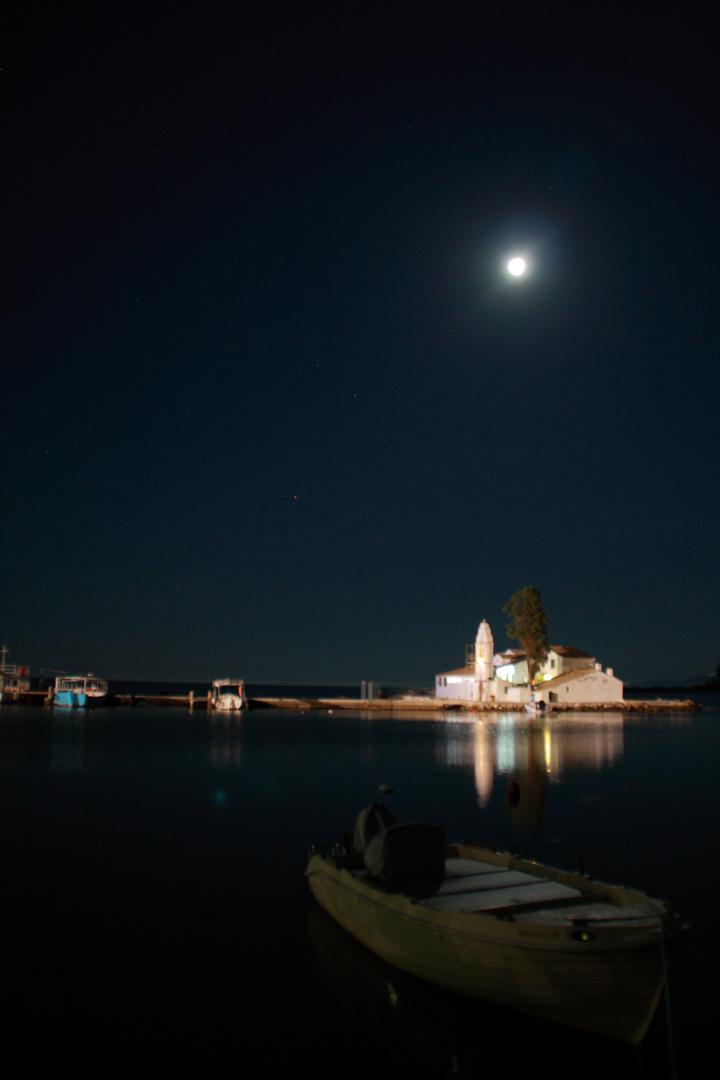 Korfu Canoni bei Nacht