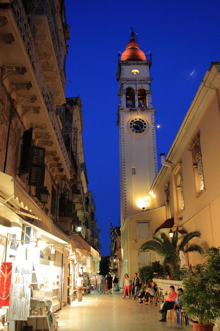 Korfu Stadt - Einkaufsmeile bei Nacht