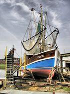 Krabbenkutter Cux 10 in der Werft