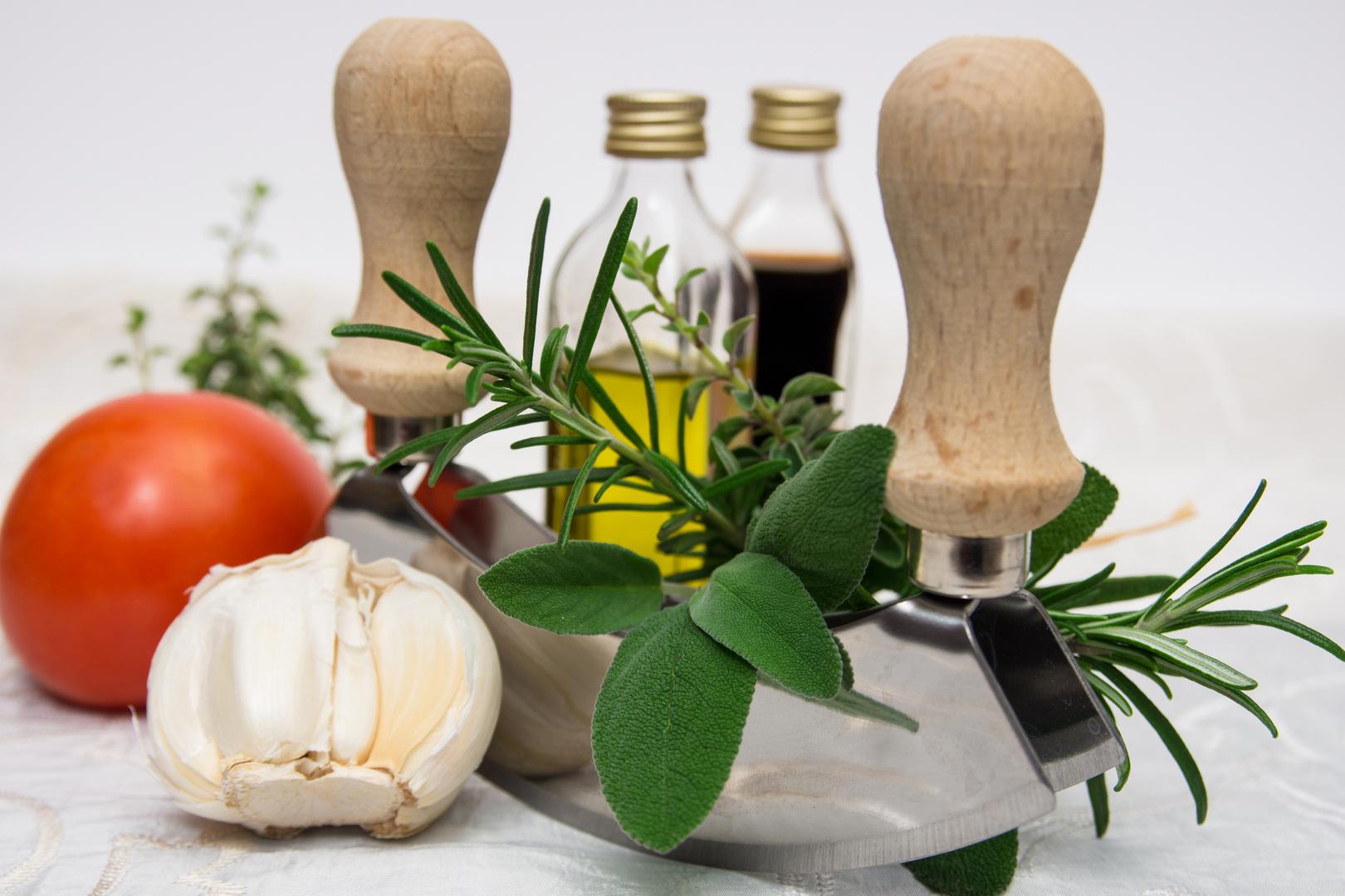 Kräuter in der Küche Foto & Bild | stillleben, essen ...