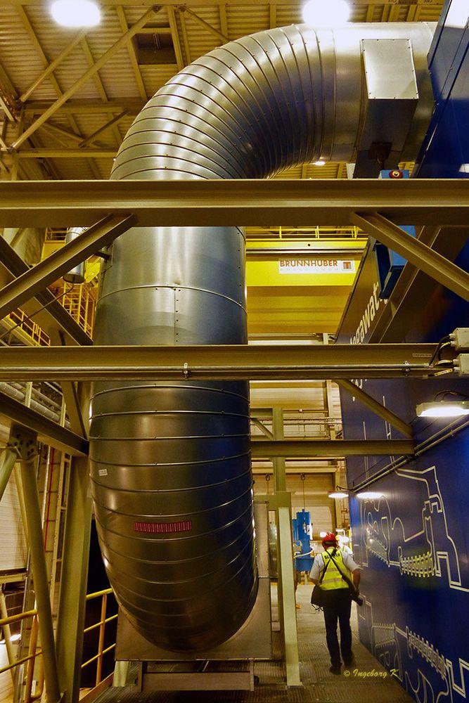 Kraftwerk Lausward  - Rohre Innenraum
