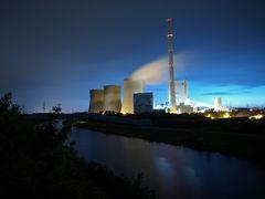 Kraftwerk Stockum bei Nacht & Regenwetter