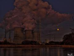 Kraftwerk Stockum im Mondschein
