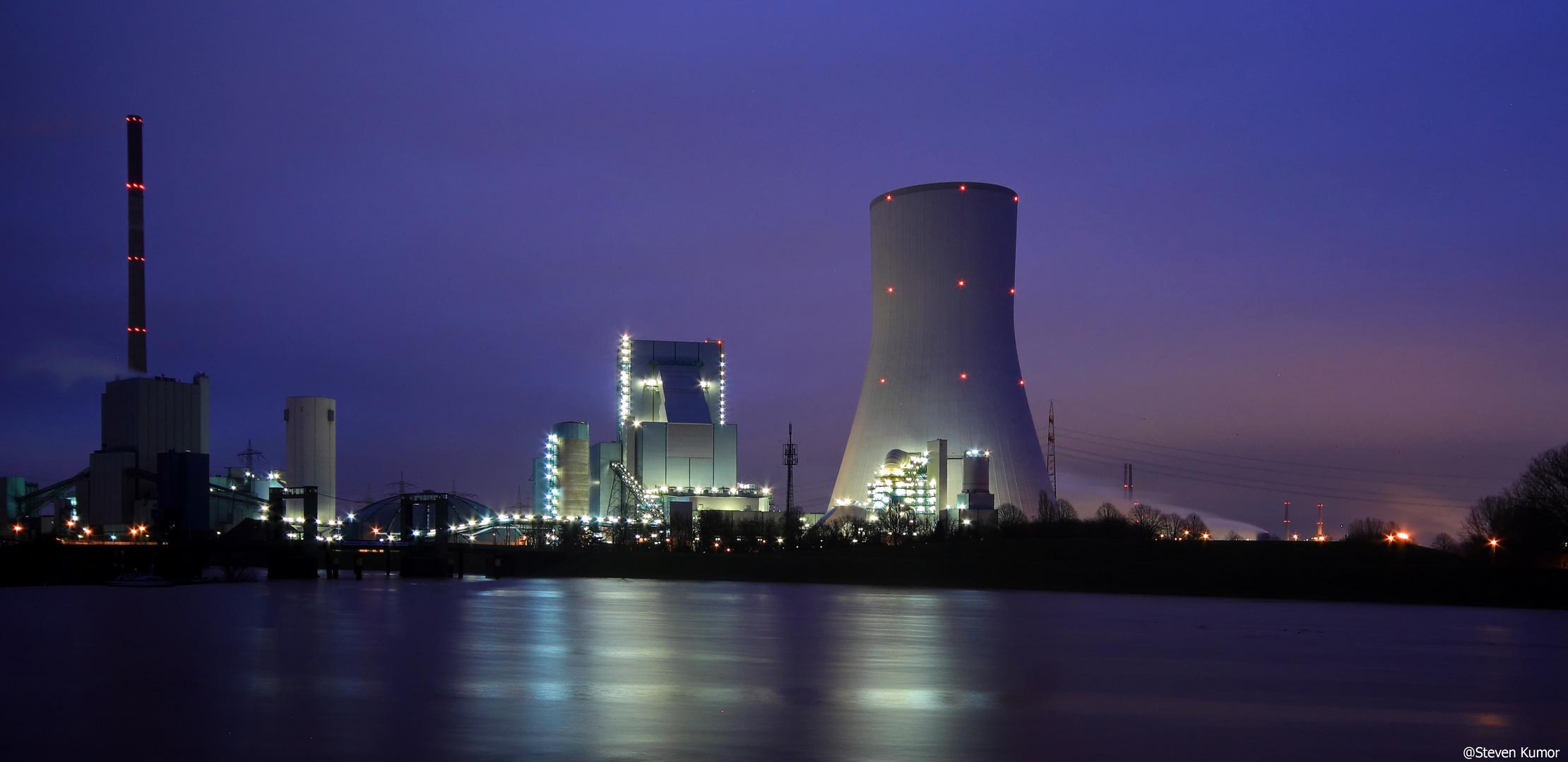 Kraftwerk Walsum @ blaue Stunde