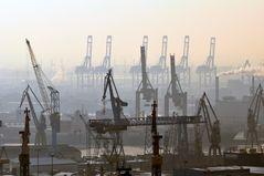 Krananlagen im  Hamburger Hafen