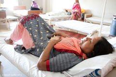 Krankensaal Frauen im Nazir Hussain Hospital Karachi #2