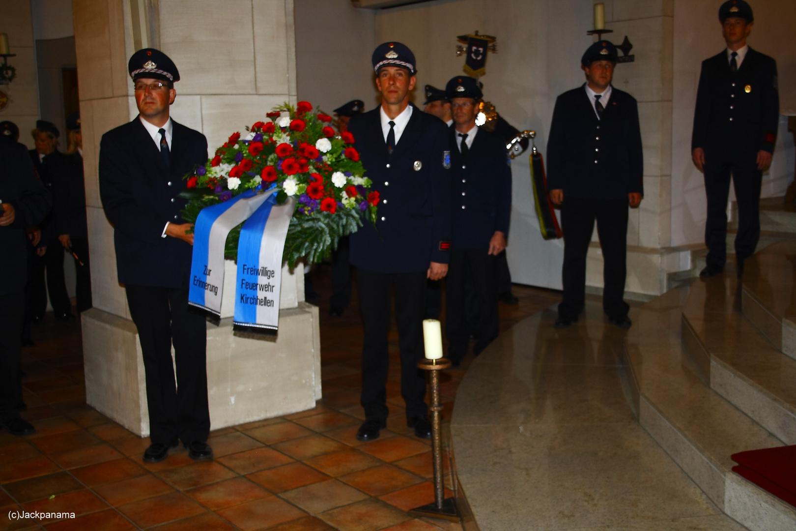 Kranzniederlegung in der Pfarrkirche zum 125-jährigen Jubiläum der Freiwilligen Feuerwehr Kirchhell