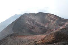 Kraterlandschaft auf dem Ätna - Süd in 3000 m Höhe
