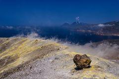 Kraterrand mit Fumarolen, Vulcano, Liparische Inseln, Sizilien