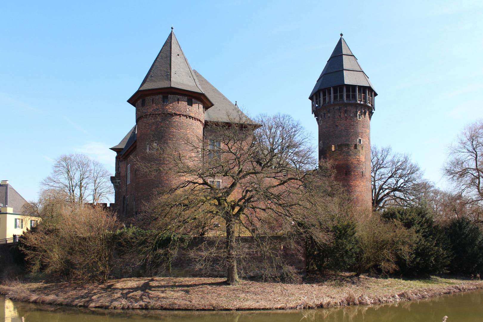 Krefeld, Burg Linn I