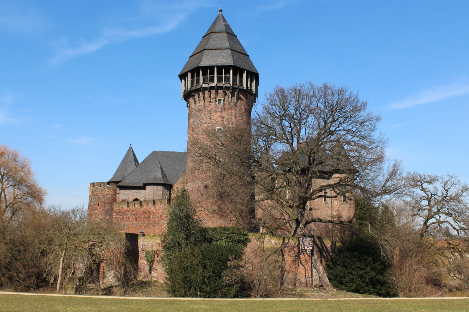 Krefeld, Burg Linn II