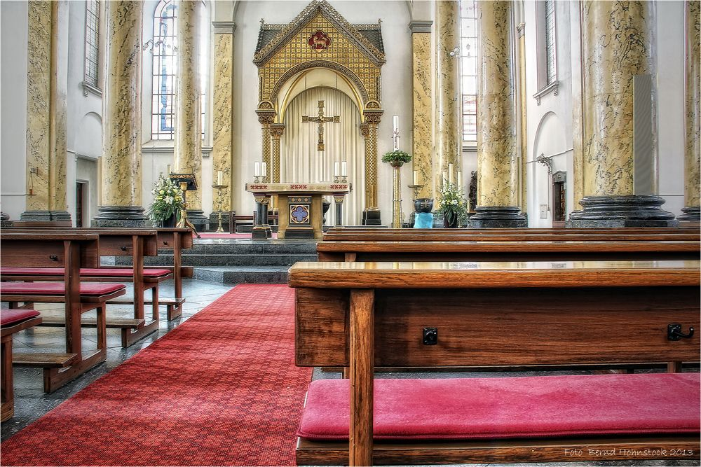 Krefeld ...  katholische Altstadtkirche St. Dionysius