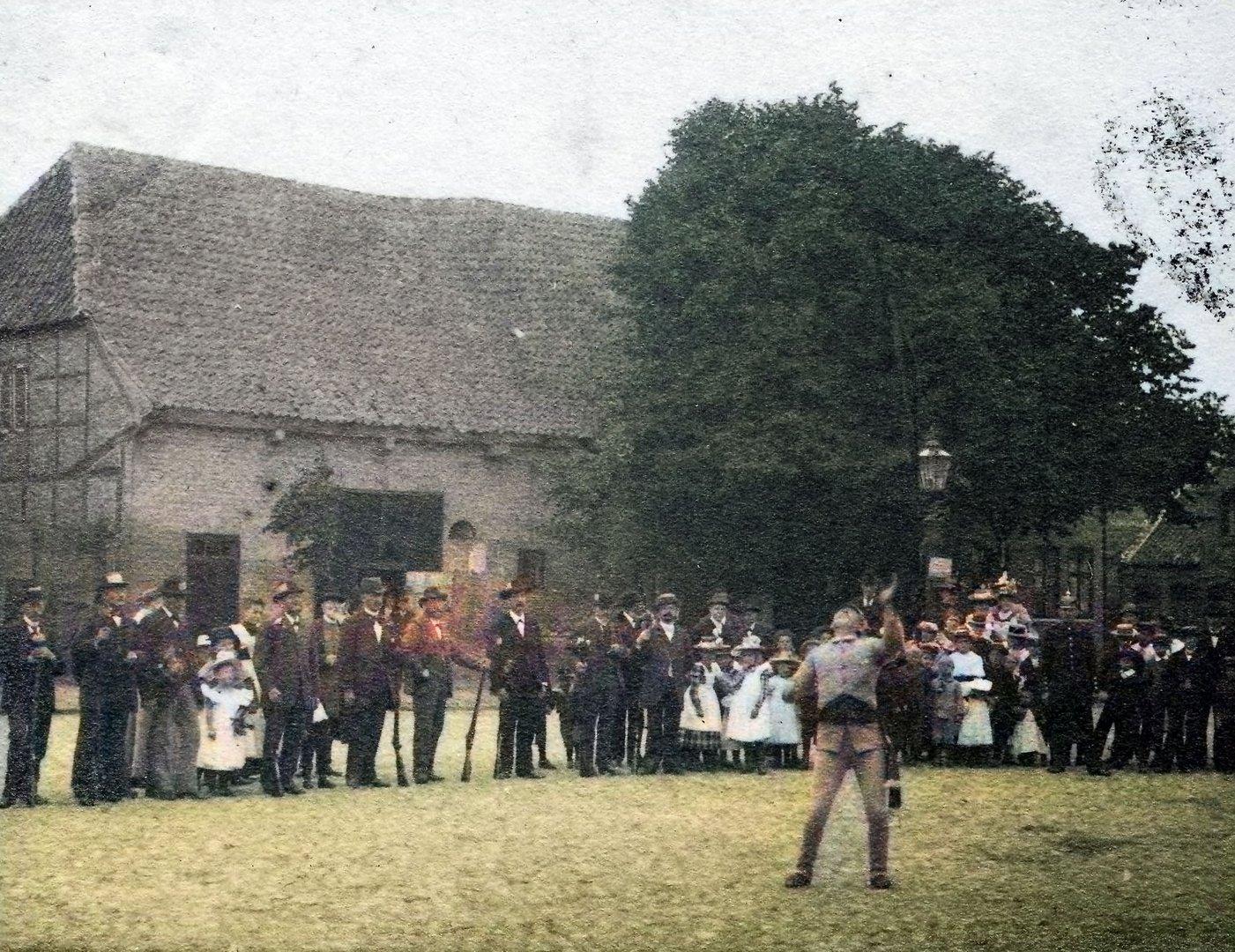 Krempe Markt Fahnenschwenker 1899